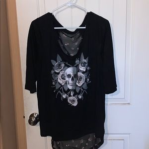 3/4 length sleeve top with skull
